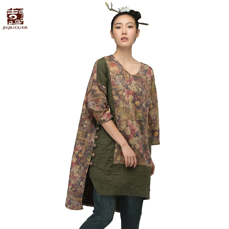 Jiqiuguer Original Design Three quarter sleeve shirts V-neck plate buttons decoration asymmetrical sweep t-shirt G153Y025