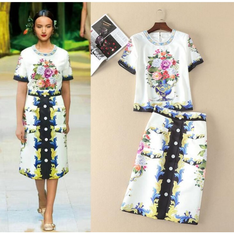 2017 Spring and summer beading O-neck floral print T-shirt button A-line skirts fashion woman's dress sets S-XL size