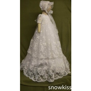 2016 Gorgeous Tiered White/Ivory First Communion Dresses Blessing Heirloom Christening Gown with Bonnet Baby Girls Baptism Robe