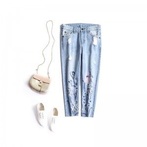 2017 Summer Women Jeans Embroidery Hollow Out Embroidered Flares Ripped Blue Mid Waist Calf-Length Jeans Ladies Straight Pants